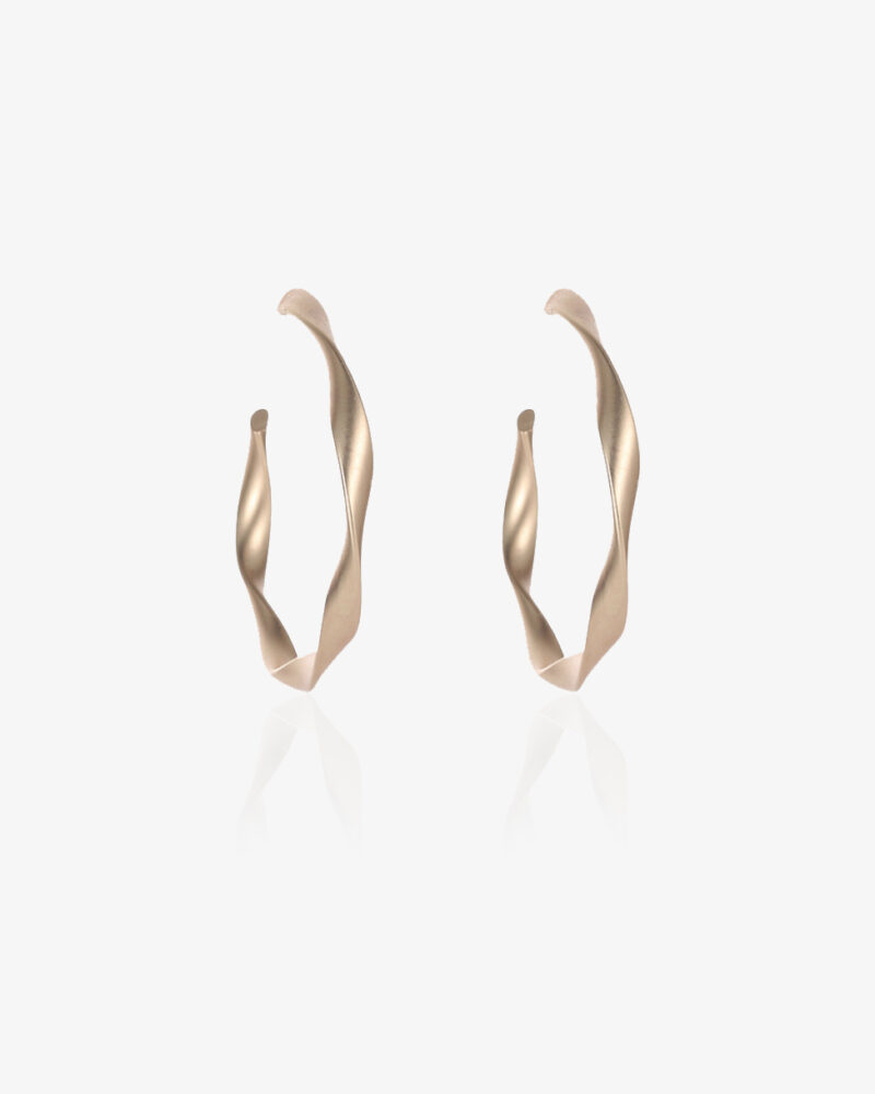 Twisted – Guld creoler (store)