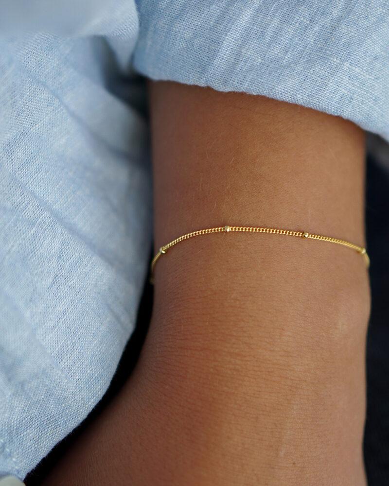 Mara – guld armbånd