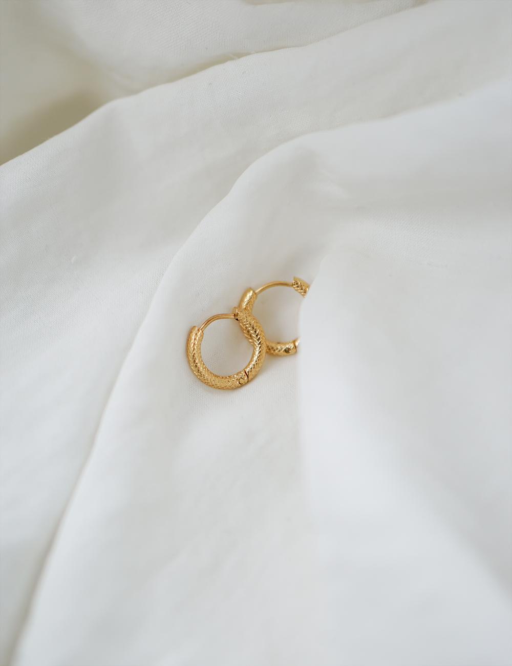 Elley – Guld øreringe