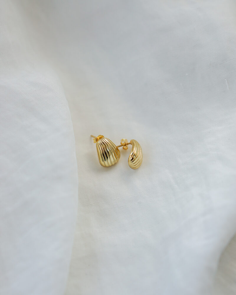 Shell – guld øreringe