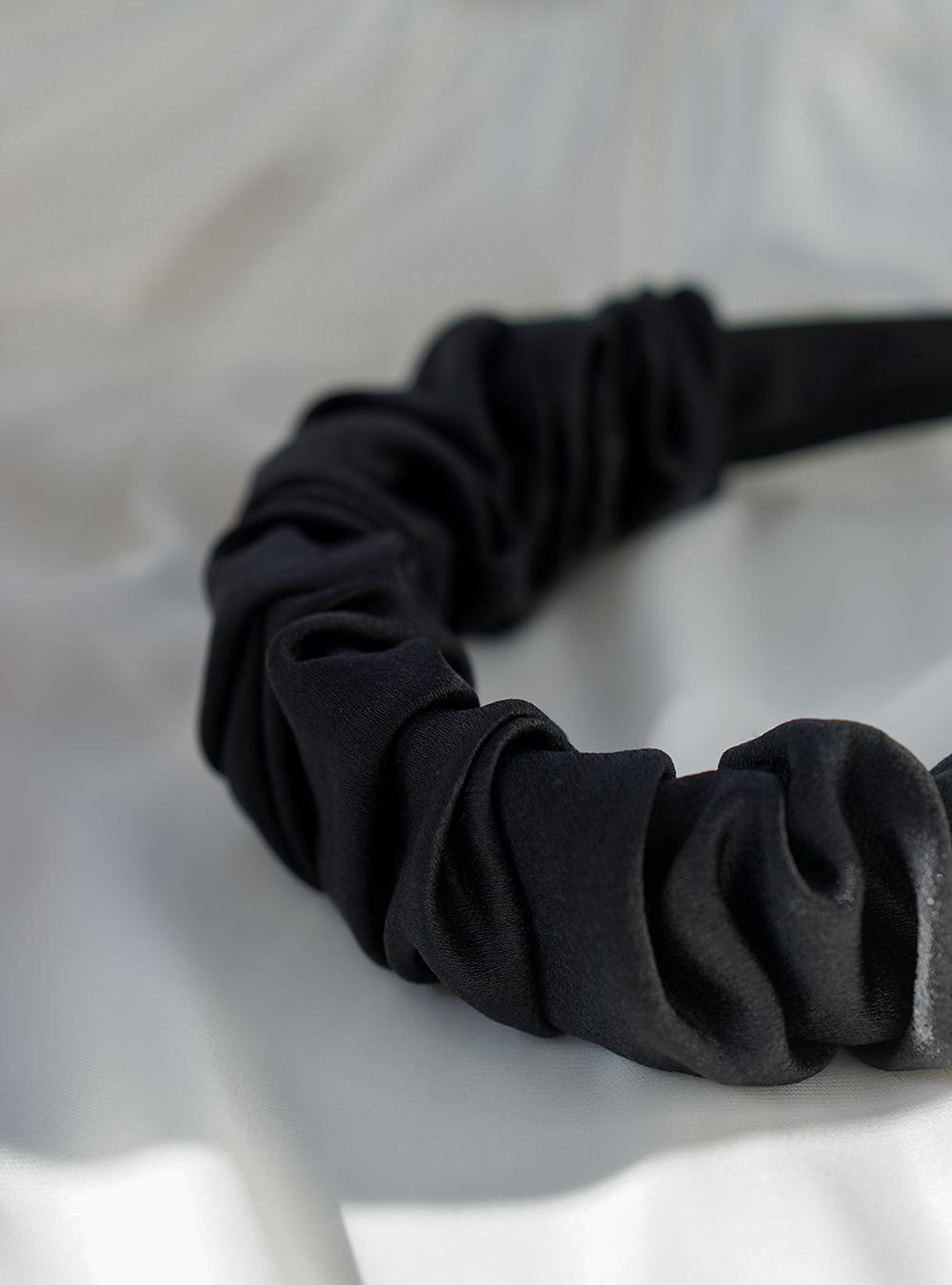 Bred hårbøjle – sort