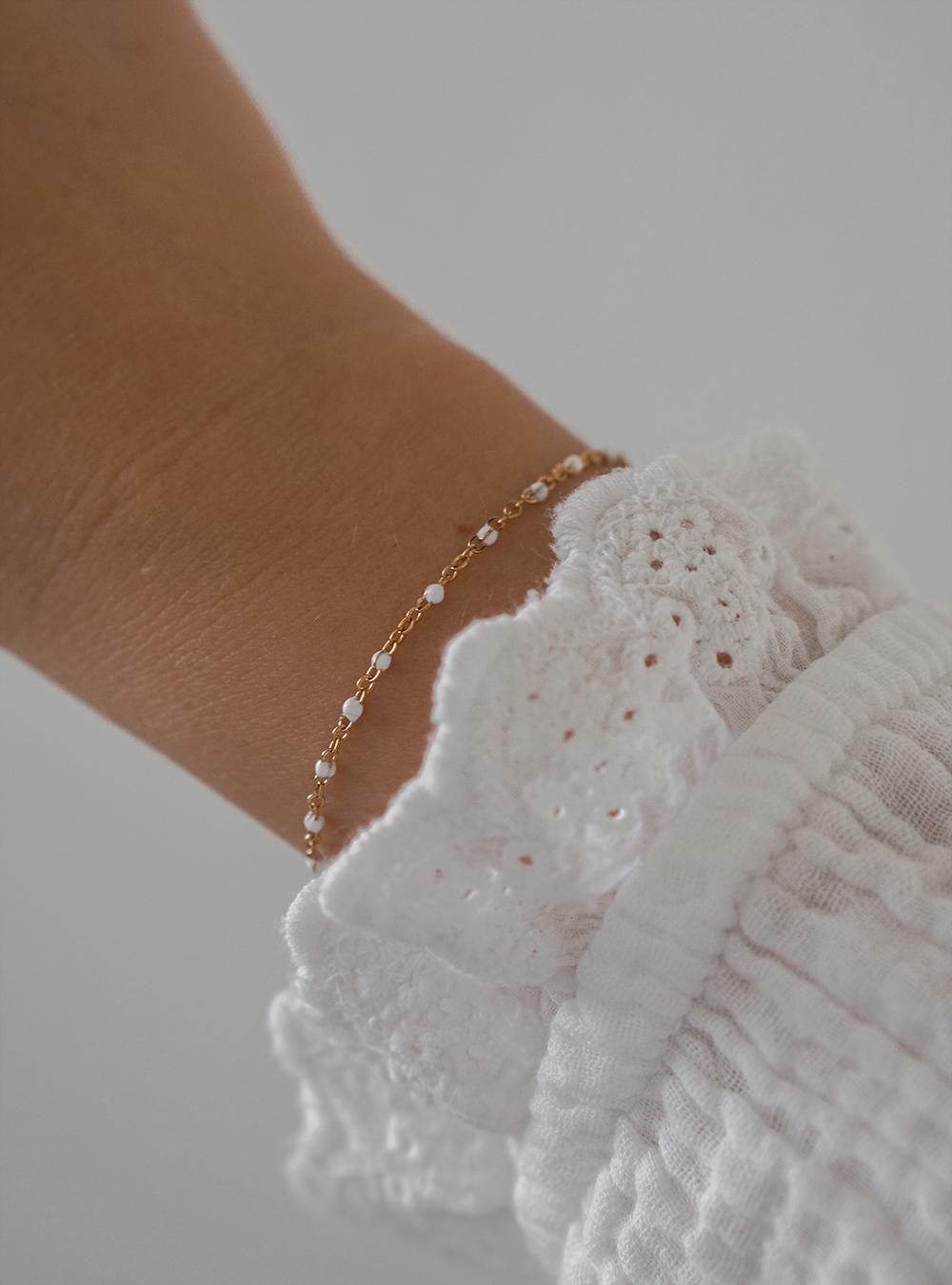 Coline hvid – Guld armbånd