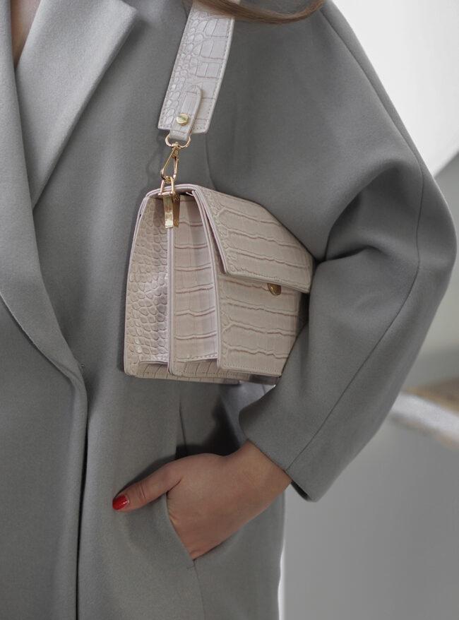 Lyserød taske