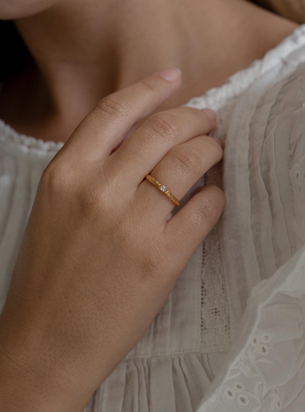 Nia – Guld ring